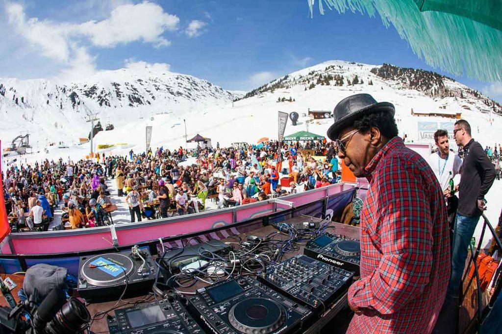 snowbombing-festival-dj